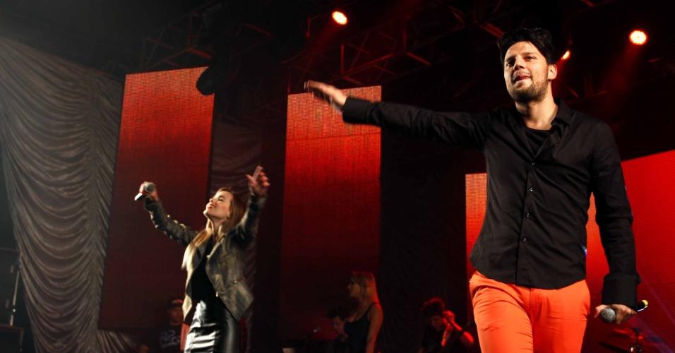 16.jul.2013 - Thaeme e Thiago durante evento de lançamento da 58ª Festa do Peão de Barretos no Villa Country, em São Paulo