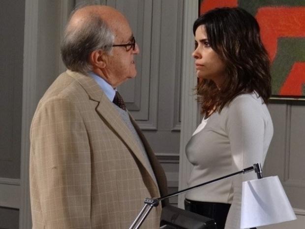 """Em """"Amor à Vida"""", Lutero flagra Aline mostrando a calcinha para César"""