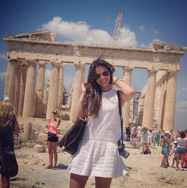 """18.ju..2013 - Bruna Marquezine visita o Acrópole de Atenas, na Grécia: """"Sem dúvida uma das jóias mais preciosas... #Atenas #incrível"""", escreveu a atriz no Instagram"""