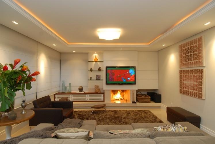 Projetos De Sala De Tv Com Lareira ~  de fagulhas em vidro temperado e aço inox e os acessórios de lareira