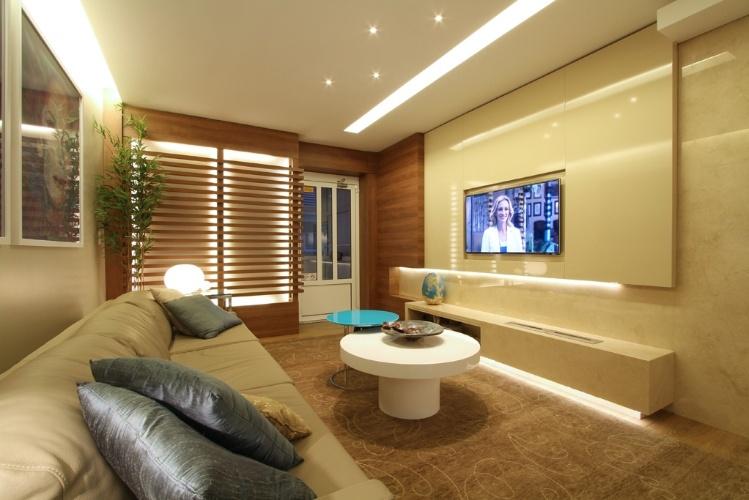 Lareira Na Sala De Tv ~ Lareiras compõem salas aconchegantes e espaços de relaxamento para o