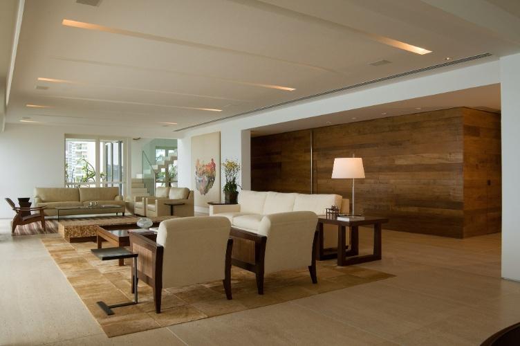 decoracao de pequenos ambientes residenciais : decoracao de pequenos ambientes residenciais:dúplex, de 600 m², tem varandas e sala de leitura de frente para
