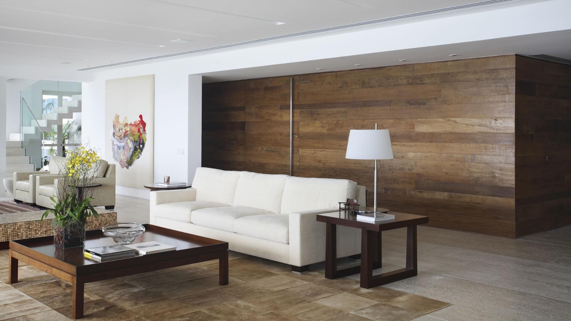 em madeira de demolicao nas paredes e porta de entrada o sofa  #4D5E34 1920x1080