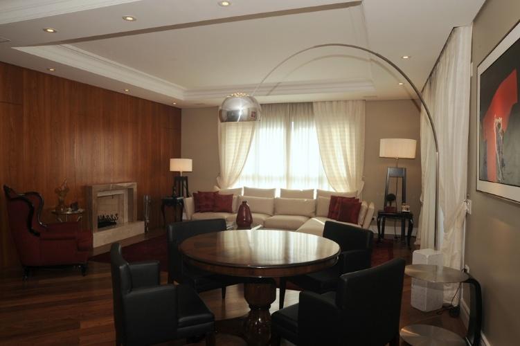 decoracao de sala jogos : decoracao de sala jogos:Para aquecer os 27 m² do living com sala de jogos, o designer Marcelo