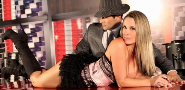 Faby posa com Marcos Oliver para ensaio sensual
