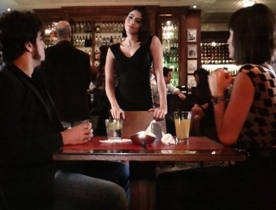 """Em """"Amor à Vida"""", Silvia provoca Patrícia e diz que ela é """"peguete"""" de Michel"""