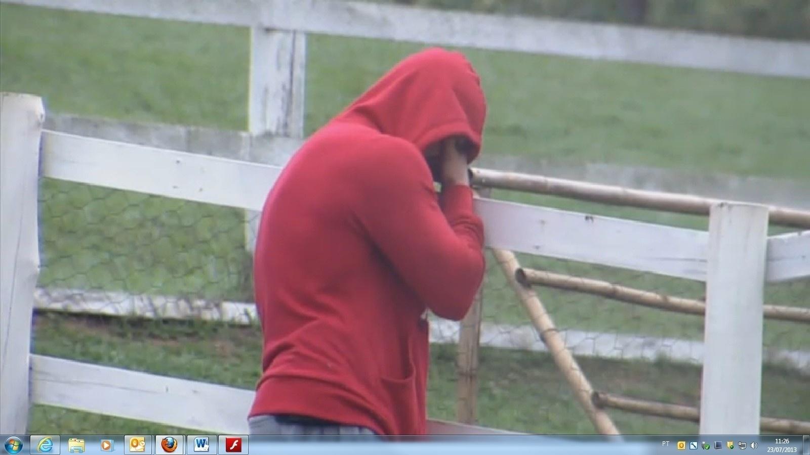 23.jul.2013 - Marcos Oliver não contém a emoção e chora com retorno de pato fujão