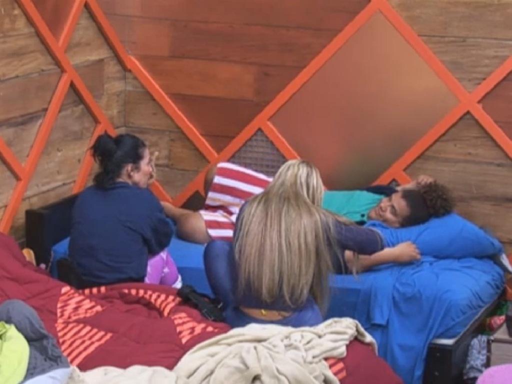 23.jul.2013 - Sheila diz a Gominho que ainda está pensando qual critério irá adotar para indica um peão a roça