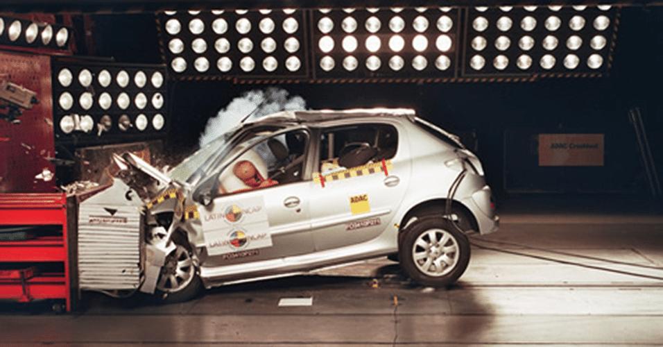 Peugeot 207 1.4 com airbags