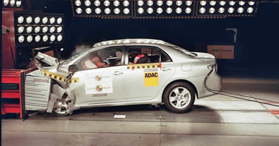 Toyota Corolla 1.8 XEI (com airbag duplo e ABS)