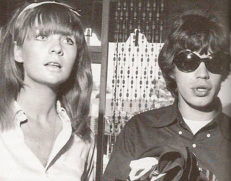 A primeira namorada séria de Mick Jagger foi Chrissie Shrimpton