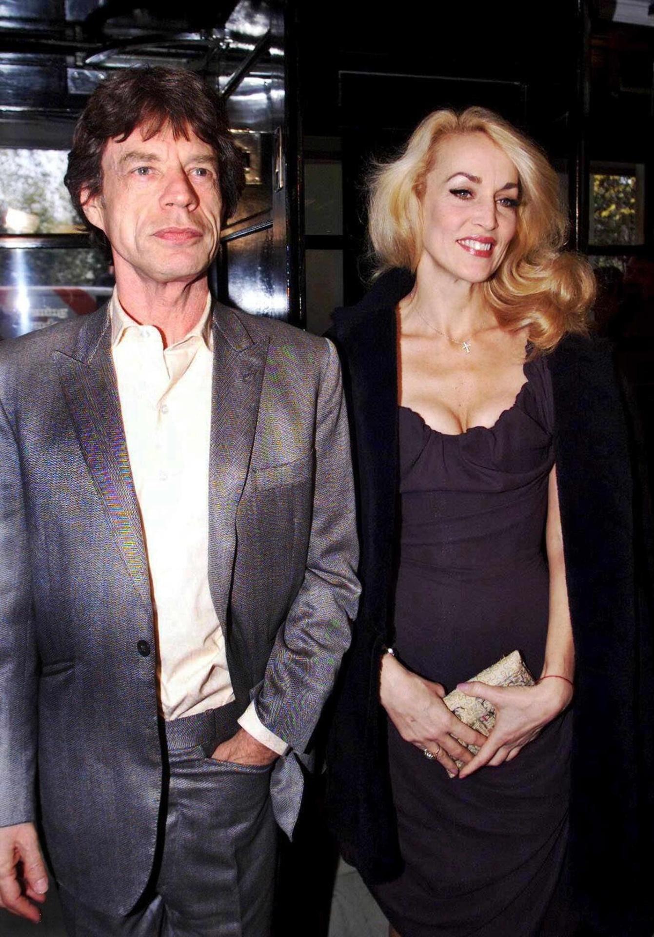 Mick Jagger e a modelo Jerry Hall, com quem viveu durante 22 anos e teve quatro de seus sete filhos