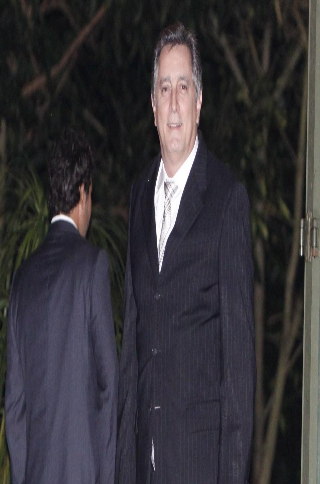 26.jul.2013 - Eduardo Galvão prestigiou o casamento de Luana Piovani e Pedro Scooby. A cerimônia aconteceu nesta sexta em uma casa de festas na zona sul do Rio