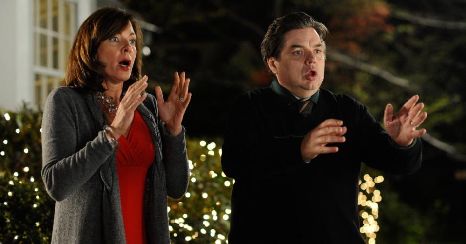 """Cena do filme """"A Filha do Meu Melhor Amigo"""", dirigido por Julian Farino e estrelado por Hugh Laurie, da série """"House"""""""
