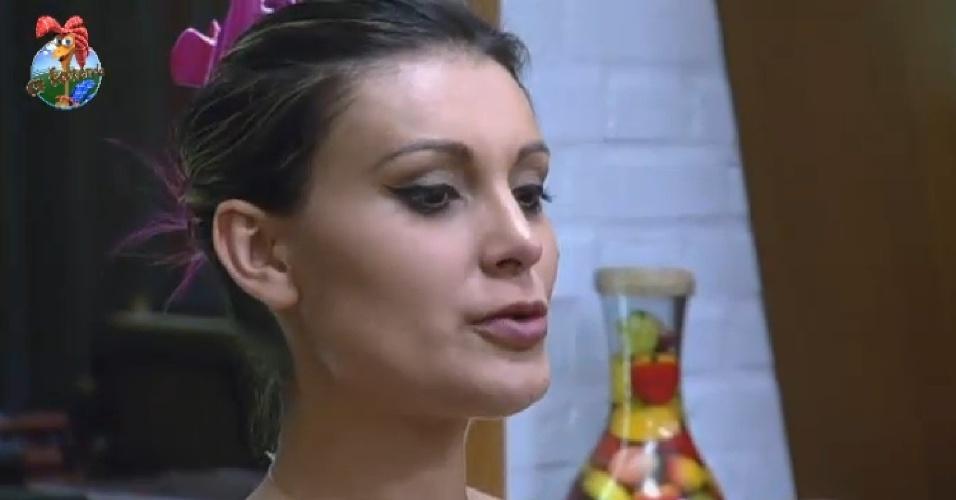 28.jul.2013 - Andressa conta sua trajetória profissional em conversa com Mulher Filé