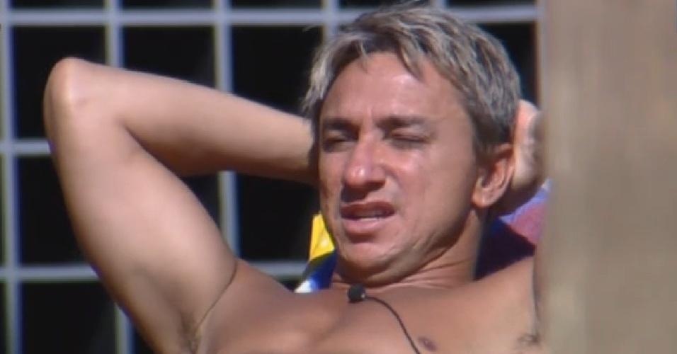 28.jul.2013 - Paulo Nunes critica namoro de Bárbara e Mateus: