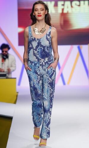 29.jul.2013 - Para o Verão 2014, a MX Fashion apostou no macacão estampado
