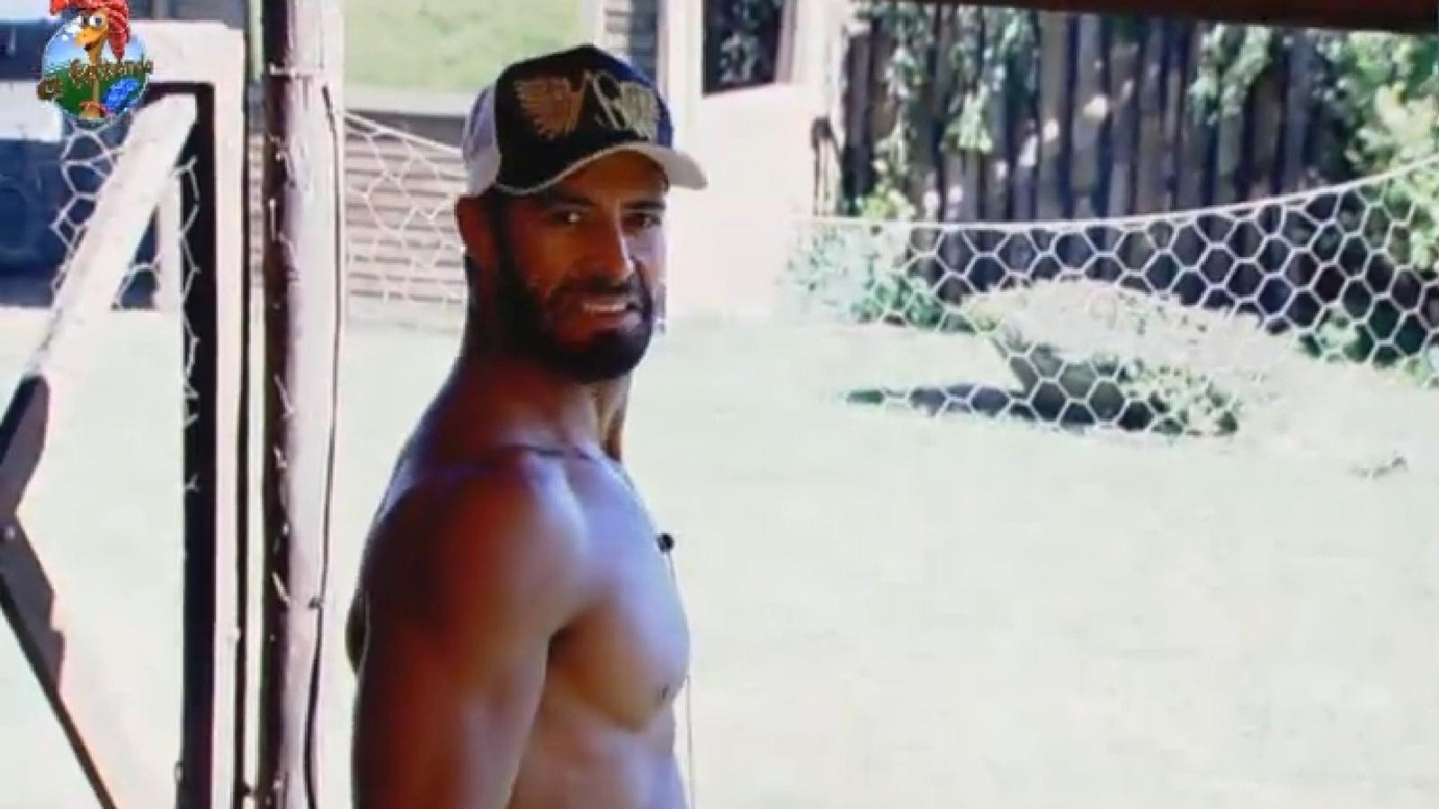 29.jul.2013 - Beto Malfacini imita Denise Rocha em conversa com Paulo Nunes