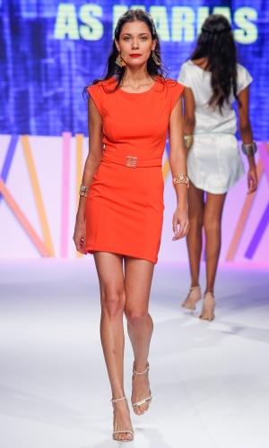 29.jul.2013 - A marca As Marias também mostra o laranja vivo na passarela do Mega Polo Moda