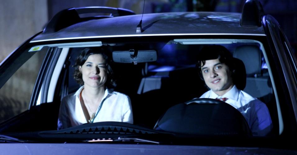 """Em """"Chiquititas"""", Carolina assume que está apaixonada por Júnior"""