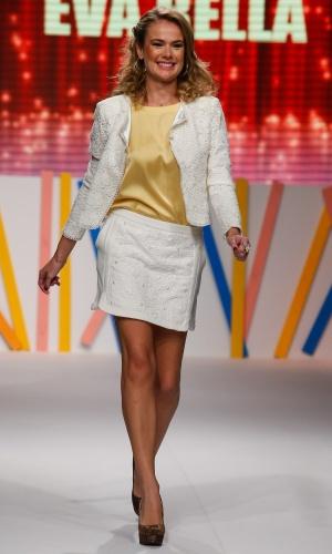 30.jul.2013 - Thais Pacholek desfilou para a marca Eva Bella, no Mega Polo Moda