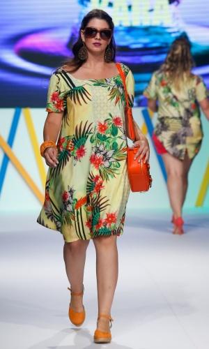 30.jul.2013 - A marca Kara mostra opções de estampas alegres para mulheres que usam tamanhos grandes