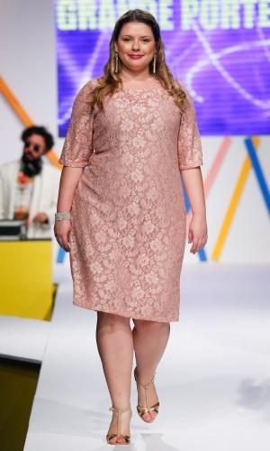 30.jul.2013 - A marca plus size Grande Porte Morena mostra opções de looks de renda para mulheres que vestem tamanhos grandes