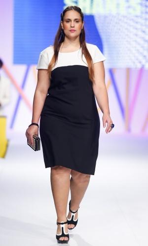 30.jul.2013 - A tendência da combinação de preto e branco apareceu na marca Shanes para mulheres de tamanhos grandes