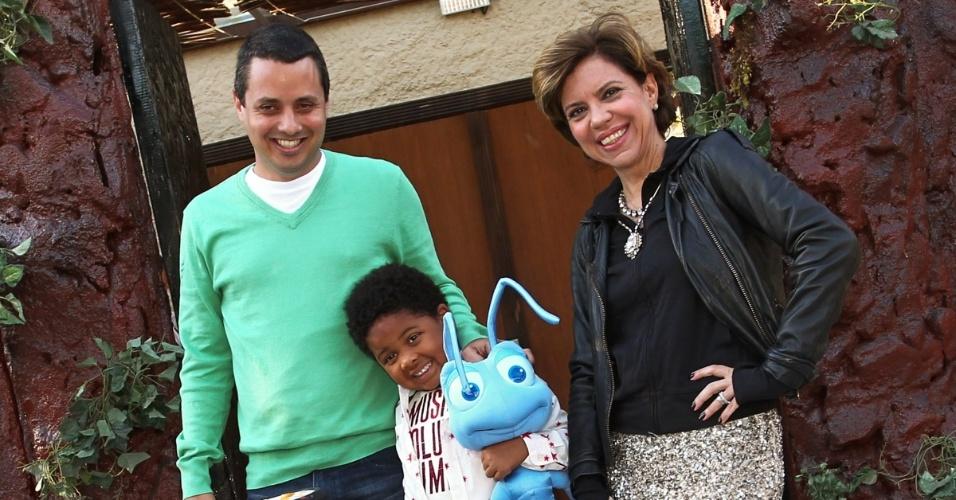 30.jul.2013 - Astrid Fontenelle e o marido, Fausto, celebraram os cinco anos de Gabriel. O evento aconteceu em São Paulo e teve como tema o filme