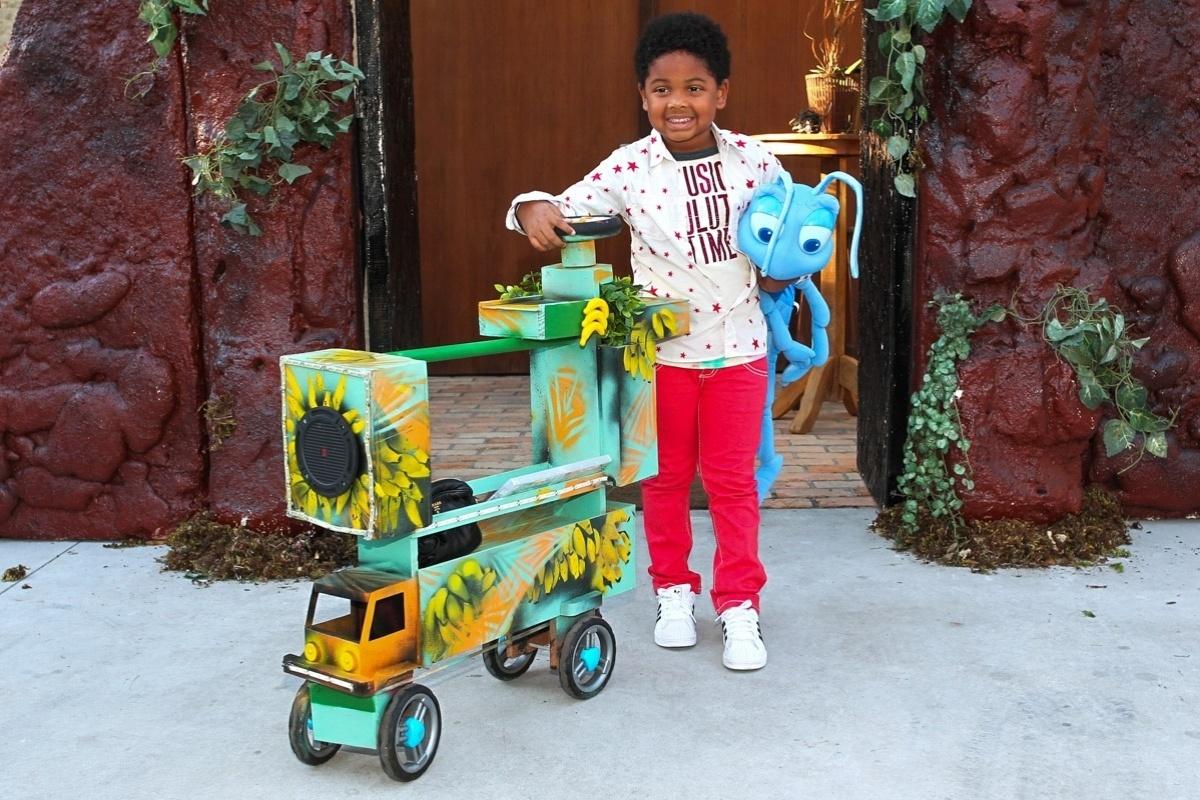 30.jul.2013 - Gabriel, filho de Astrid Fontenelle, celebrou cinco anos nesta terça. O evento aconteceu em São Paulo e teve como tema o filme