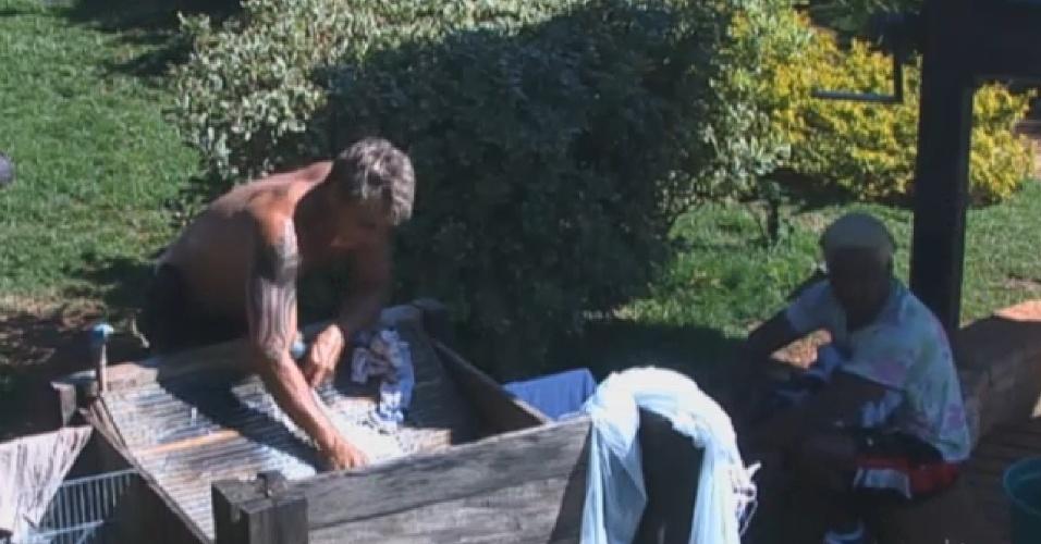 30.jul.2013 - Ivo Meirelles e Paulo Nunes distribuem reclamações sobre peões em