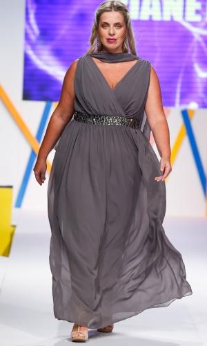 30.jul.2013 - A marca Pianeta traz opções de vestidos de festa plus size