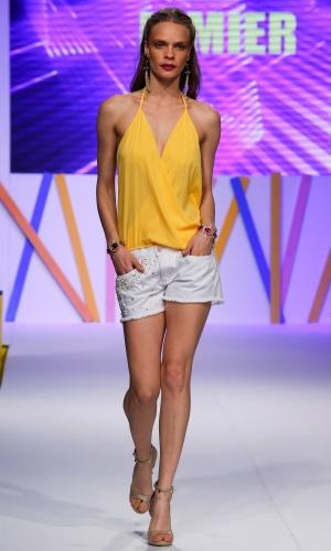 30.jul.2013 - Os shorts com pérolas bordadas como este da Lemier são o novo hit do verão