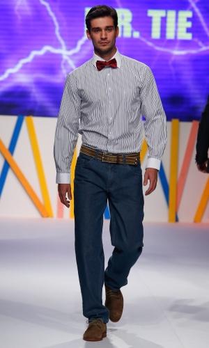 30.jul.2013 - A marca Mr. Tie mostra como usar gravata borboleta em um look casual