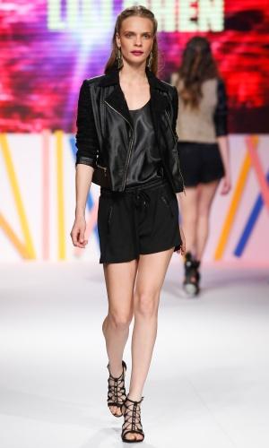 30.jul.2013 - A Lili Chen trouxe as jaquetas de couro como proposta para o verão