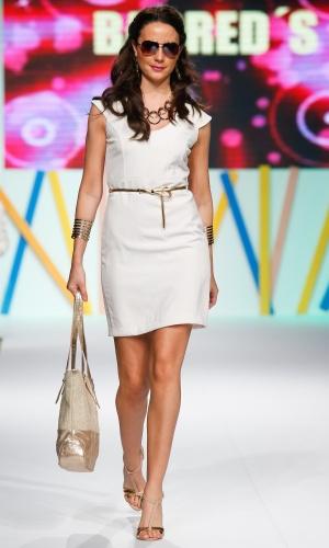 30.jul.2013 - O minimalismo e o branco estão em alta na moda. Este look é da Barreds