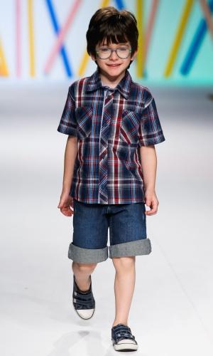 31.jul.2013 - A Brascol traz a camisa xadrez usada com bermuda jeans para o guarda-roupa infantil