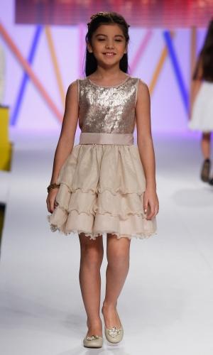 31.jul.2013 - A Nina Menina mostrou moda festa infantil na passarela do Mega Polo Moda
