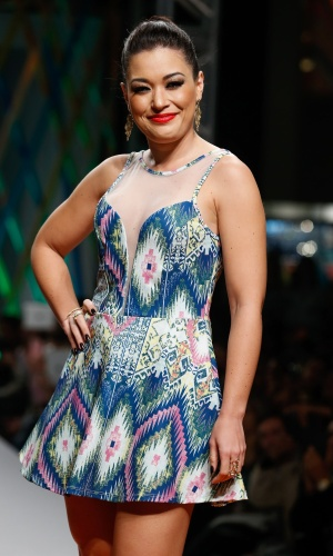 31.jul.2013 - Milene Uhiara posa para os fotógrafos no desfile da marca Jota Treis, no Mega Polo Moda