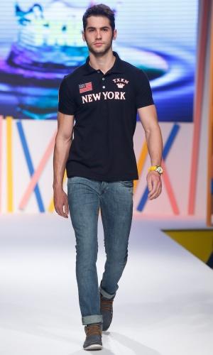 31.jul.2013 - A TXKN trouxe opções de polos masculinas para o desfile no Mega Polo Moda