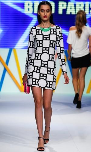 31.jul.2013 - Estampa gráfica no vestido preto e branco da marca BMD Paris