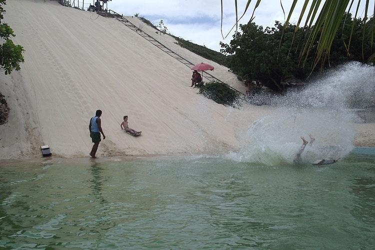 A lagoa de Pitangui é cenário tranquilo para famílias com crianças ao norte de Natal