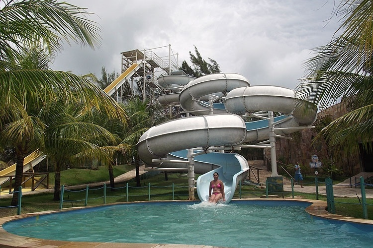 O parque aquático Ma-Noa, em Maracajaú, fica a 54 km de Natal