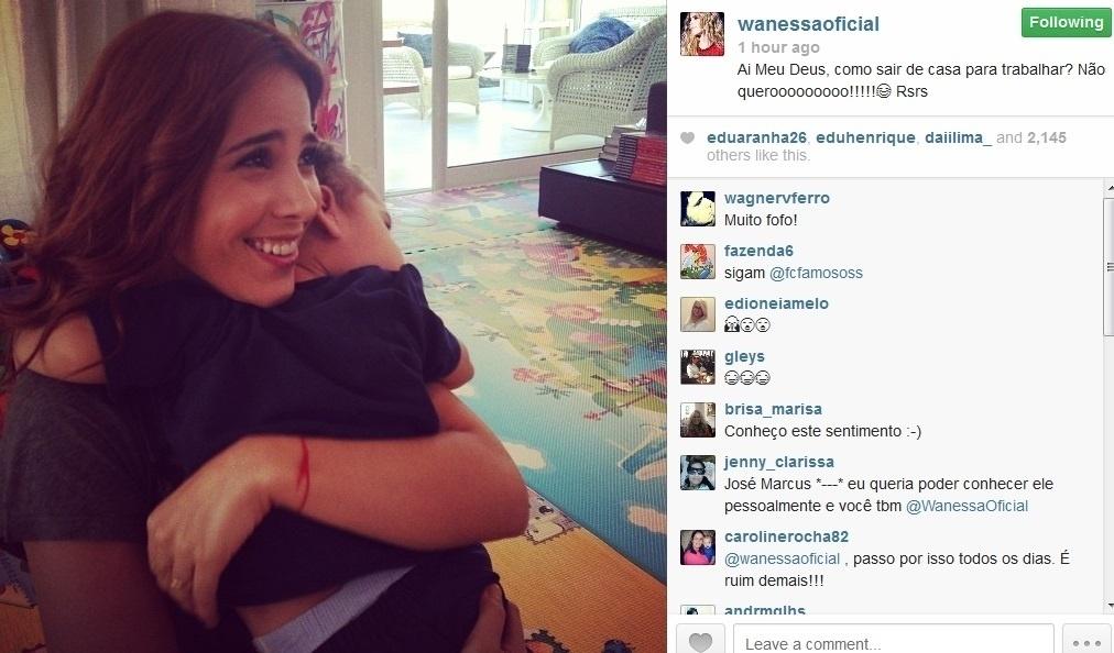 1.ago.2013 - Após abraço do filho, Wanessa lamenta ter que ir ao trabalho: