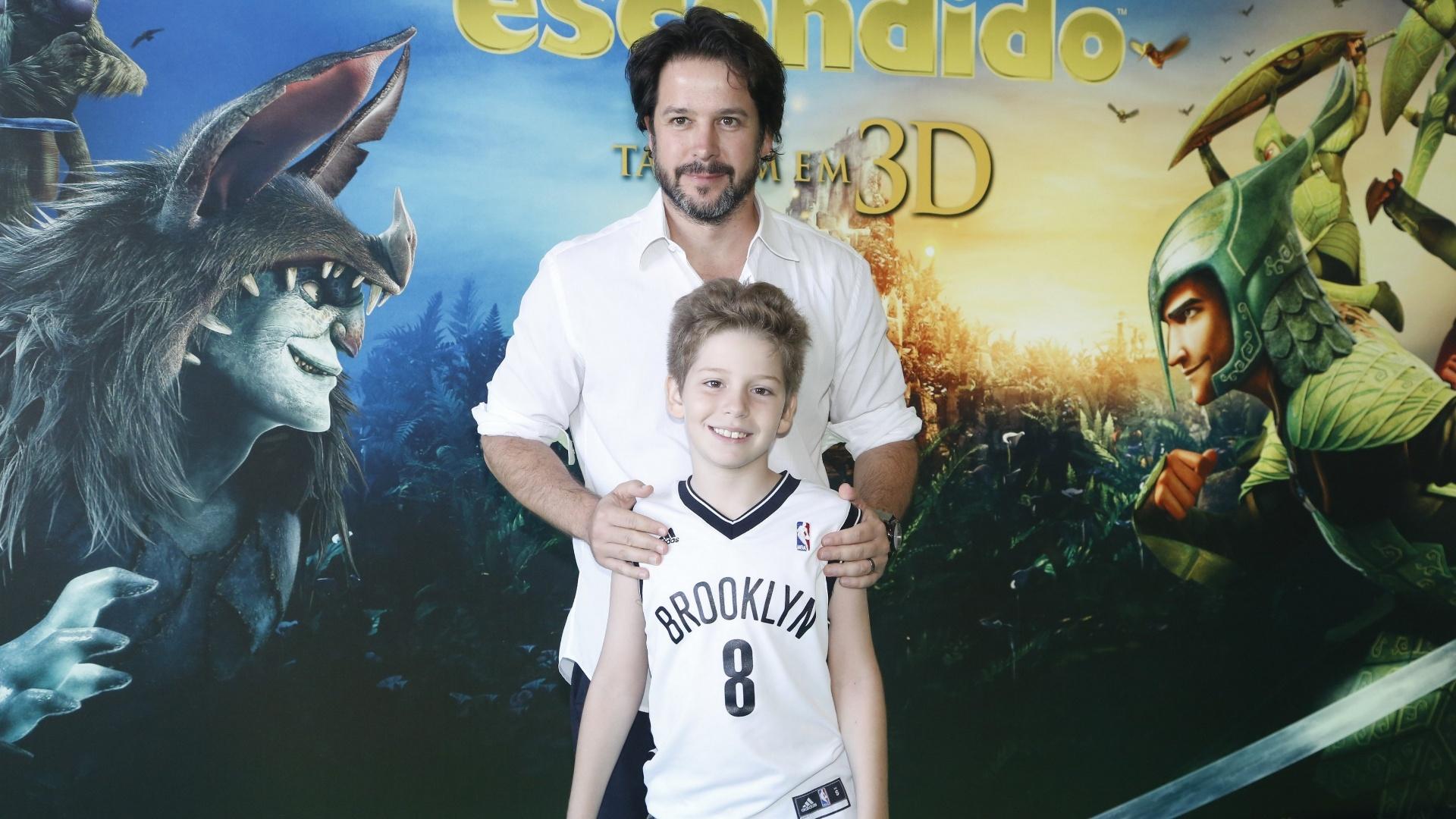 11.mai.2013 - Pietro, filho de Murilo Benício e Giovanna Antonelli, está acostumado com a presença de fotógrafos e até vai com os pais a eventos públicos