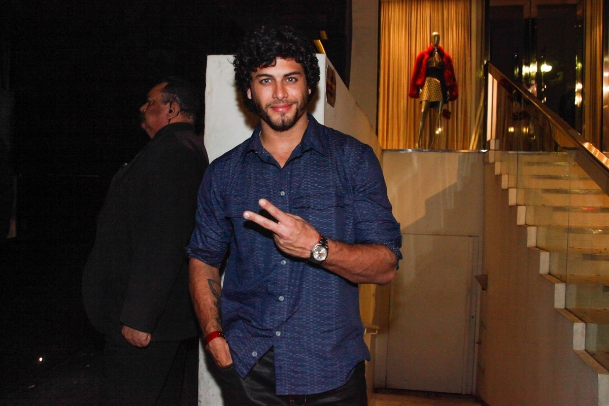 1.ago.2013 - Jesus Luz na festa de aniversário do diretor de arte Giovanni Bianco em bar dos Jardins, em São Paulo