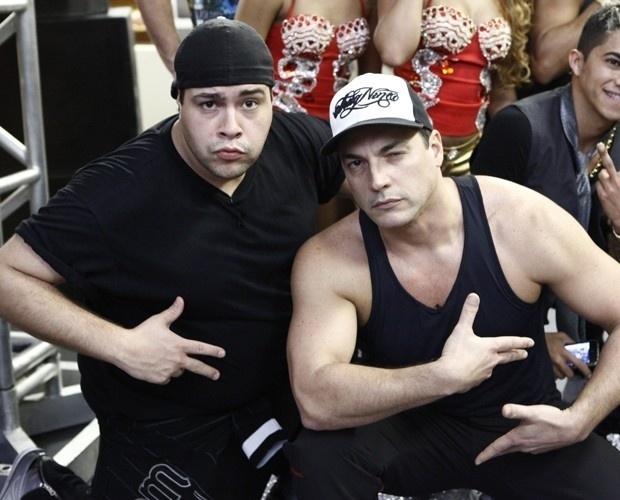 """2.ago.2013 - Os atores Tiago Abravanel e Daniel Boaventura durante ensaio do """"Dança dos Famosos"""""""
