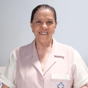 """Em """"Amor À Vida"""", Alejandra empurra enfermeira Ciça de penhasco"""