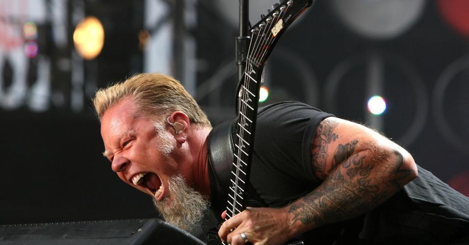 James Hetfield durante apresentação com o Metallica em 2006