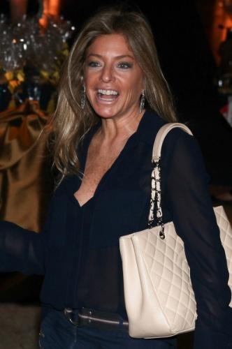 04.ago.2013 - A ex-mulher de Roberto Justus, Sacha Chryzman, vai ao aniversário de Rafaella